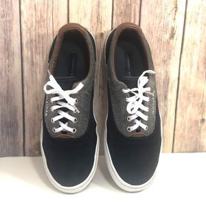 Tommy Hilfiger Shoes - Tommy Hilfiger black canvas sneakers 8
